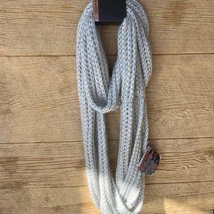 Nwt grey apana Pajani scarf Yoga Active Balance